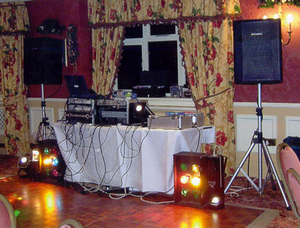 wedding dj and mobile disco frequently asked questions page. Black Bedroom Furniture Sets. Home Design Ideas