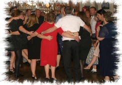 wedding-anniversary-dj-disco dancers