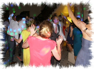 Falconwood Mobile Disco Dancers Image