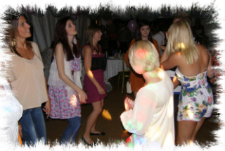 Kingswood Mobile disco party dancers image