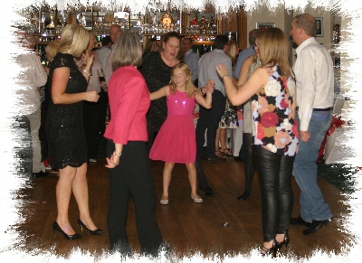Shooters Hill Golf Club Mobile Disco Dancers Image