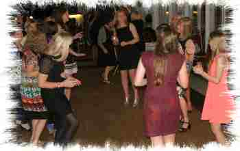 allhallows-mobile-discos-dancers-image