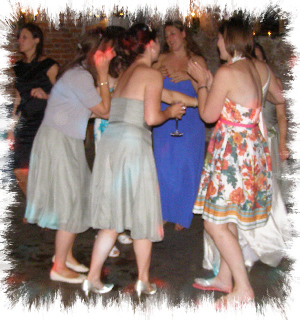 Sandgate mobile disco dancers image