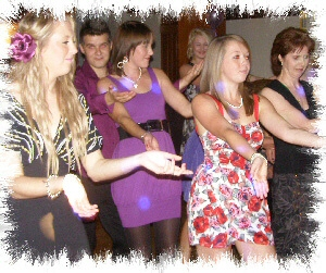 mobile disco surrey dancers image