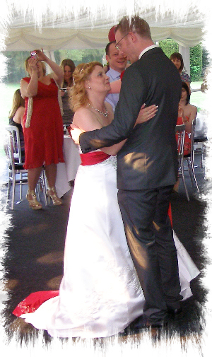 wedding dj meopham nurstead court first dance image